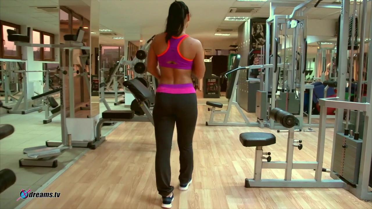 Fitness Girl Rosalina Love POV Handjob