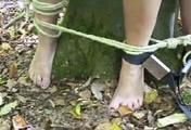 ab-137 Barefoot in the forest (2)