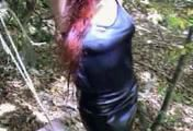 ab-137 Barefoot in the forest (3)