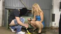 Sophie - Ficken in der Garage