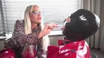 Die Perverse Vermieterin Teil 1: Webcamschlampe erwischt