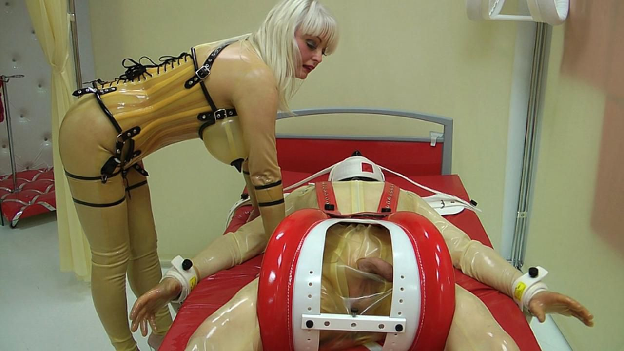 Madame Gillette - Ruined orgasm by the Nurse