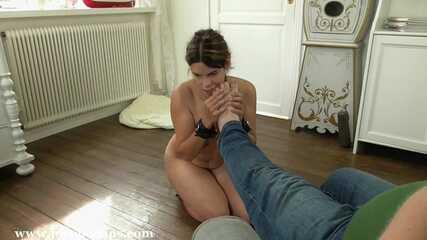 Leathercuffed Slave
