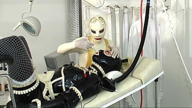 Madame Zoé - Rubber Doll Clinic Part3