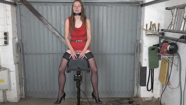 Karina tests the Sybian