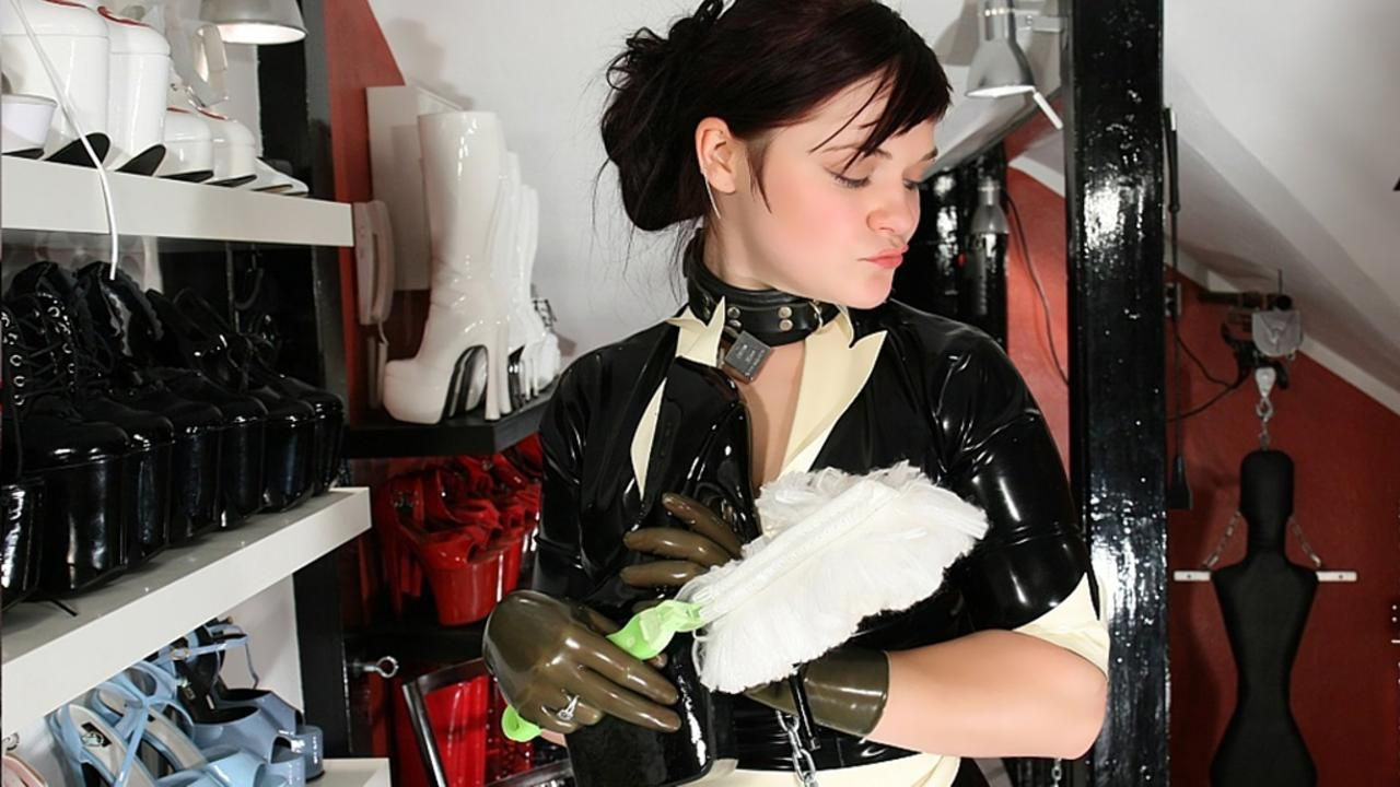 Rubber maid of the Mistress Part 1