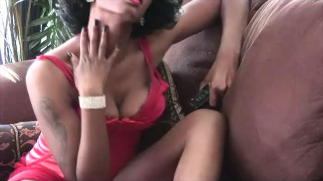 Elegant ebony neck fetish