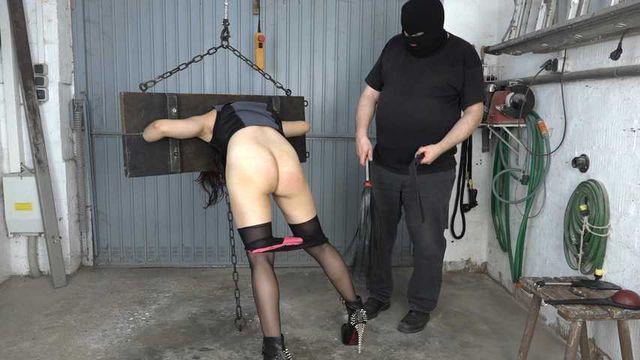 Ass spanking of Aijana