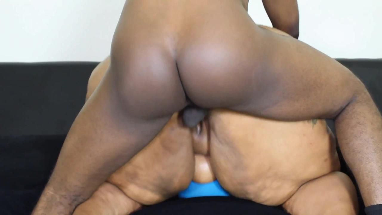 SUPER MESSY QUICKIES 2 - CARMEL SQUIRTZ Clip 1