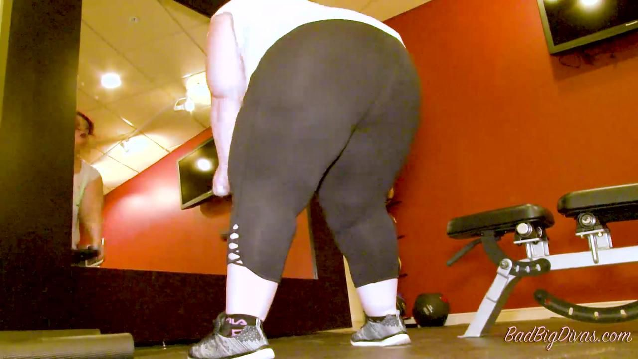"NIKKI CAKES IN ""FATTY FITNESS"""