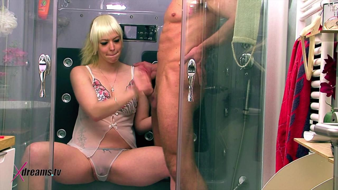 Penny To Turned On Her Man And Denial His Orgasm In The Shower Cabin