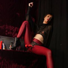Warming up for the MELBOURNE #Domina #StrapOn #ForcedBi #PlayParty on the 24th of April...<br /><br />Such a wicked &amp; wonderful combination of energies... with Mistress @JaidenLillith, Mistress @CartesianJoy &amp; @MzElectraAmore<br /><br />Tix:  http://ow.ly/t4QW30rDNLr<br /><br />SYDNEY I'm in you already... 😈