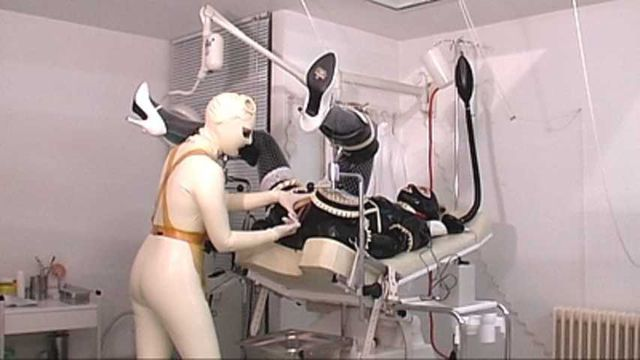 Madame Zoé - Rubber Doll Clinic Part2