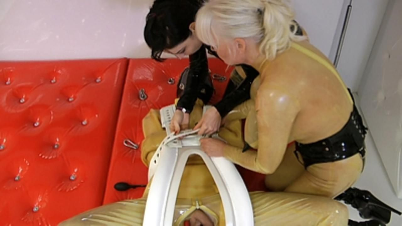 Madame Gillette und Lady Ashley - Verschlauchung Extrem (Part3)