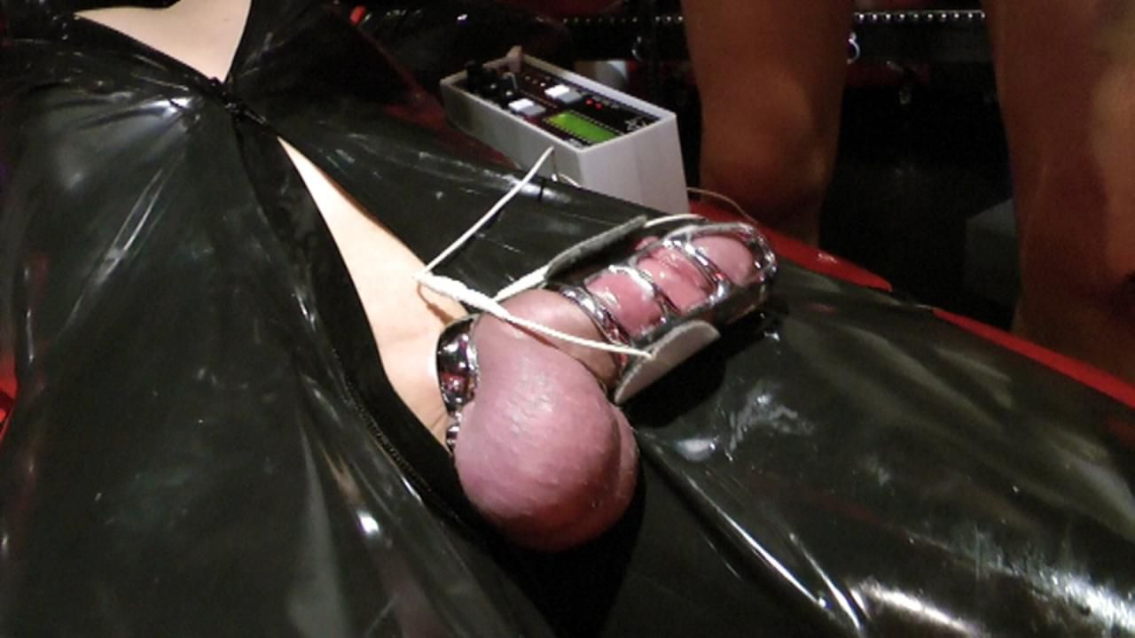 Lady Ashley - Rubber Slave in Chastity Part1