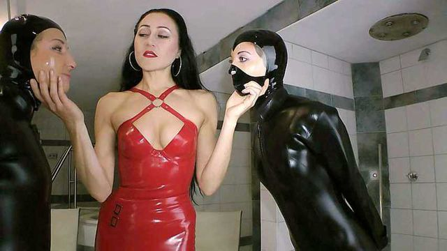 Two brats in Latex ecstasy