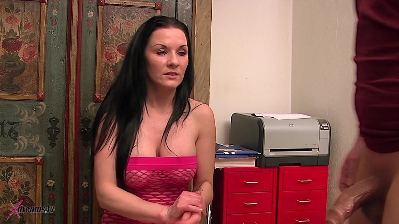 Mia's 12 Minutes Handjob To Cum Or Denial Orgasm