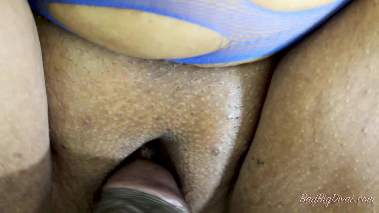 BIG GREEDY SUCKERS - CARMEL SQUIRTZ  Full Scene