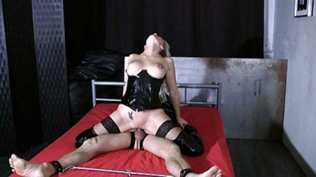 Julia Pink - Femdom Sex Part2