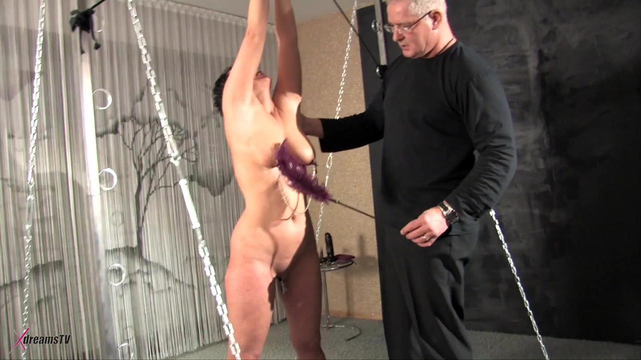 Ilona - Tag der Erniedrigung am Bondage-Gestell
