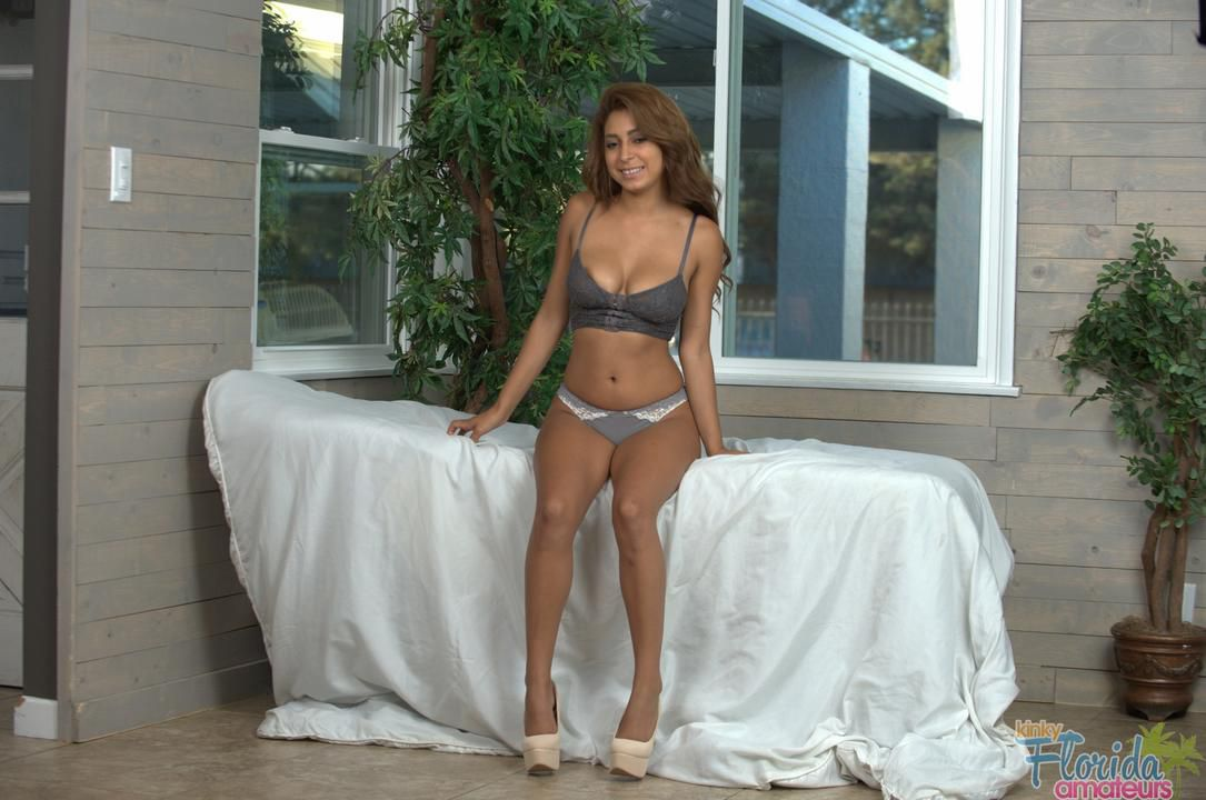 Teen Amateur Latina Getting Kinky On The Table - 188 Large HD images