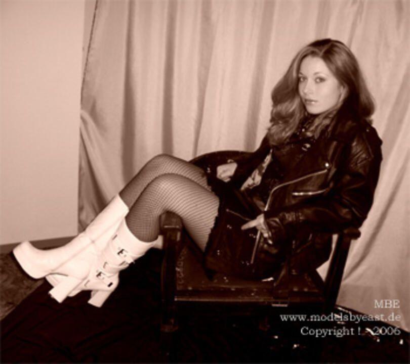 Zarah in high-heels