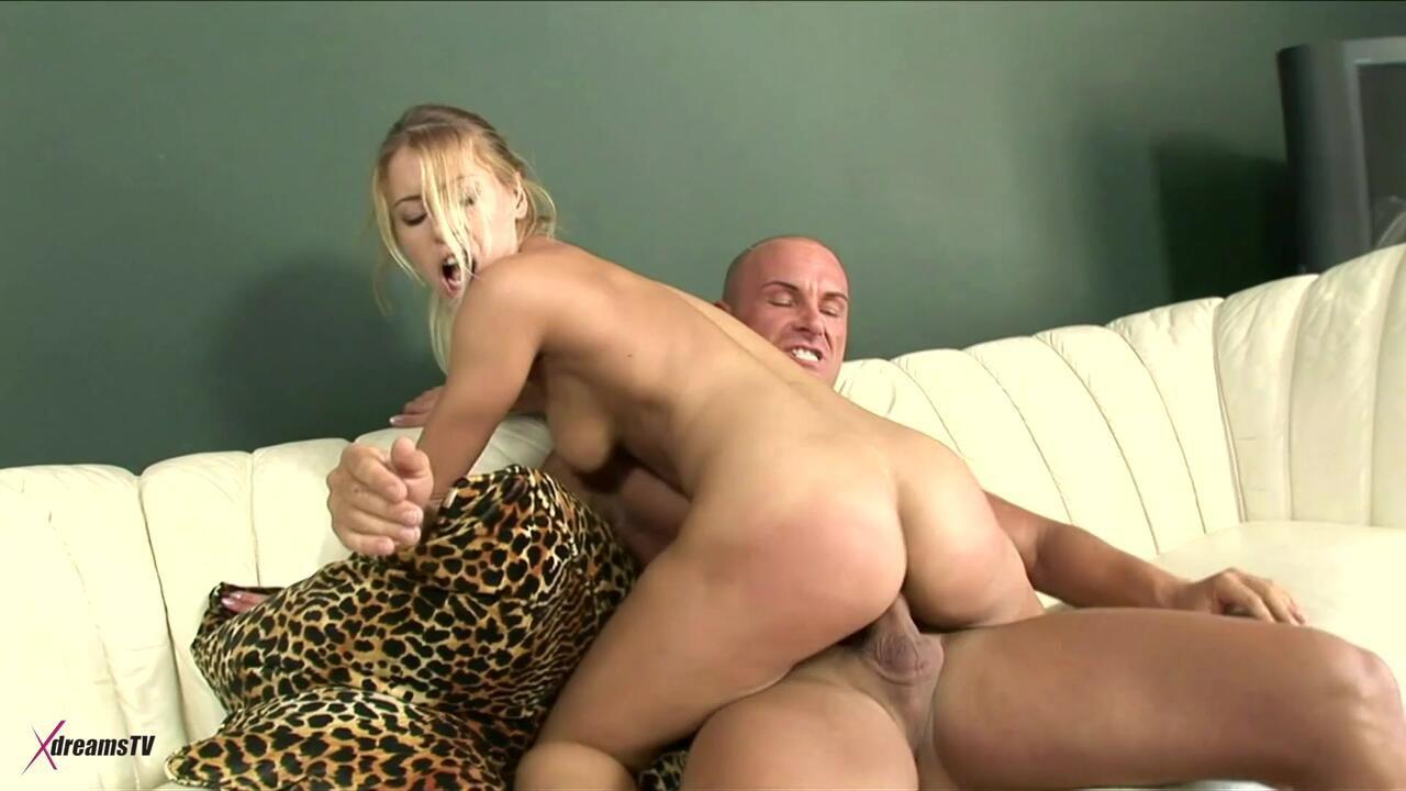 Nikki Thorne - I Cheat My Boyfriend With His Dad