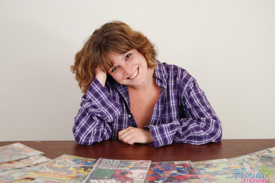 Redhead Kinky Amateur Milf Misty Summer And Comic Books