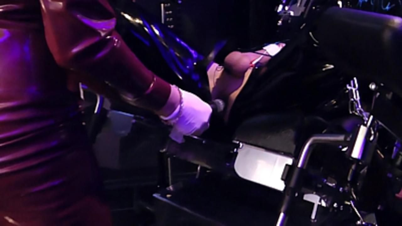 Lady Ashley - Rubber Drift Part1