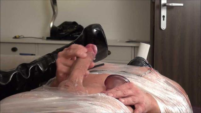 Jerk off for your mistress! (Dominant Hotel Service Part 3)