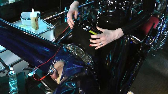 Holly, my RubberToy Part1