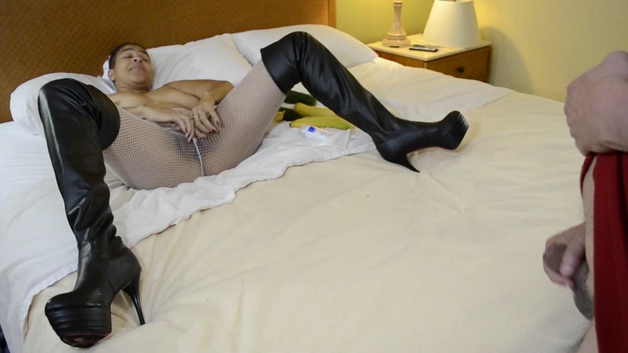 Kinky Amateur Ebony Milf Desiree Dee - Part 4 - Pantyhose, Boots, Spanking, And Fucking Vegetables