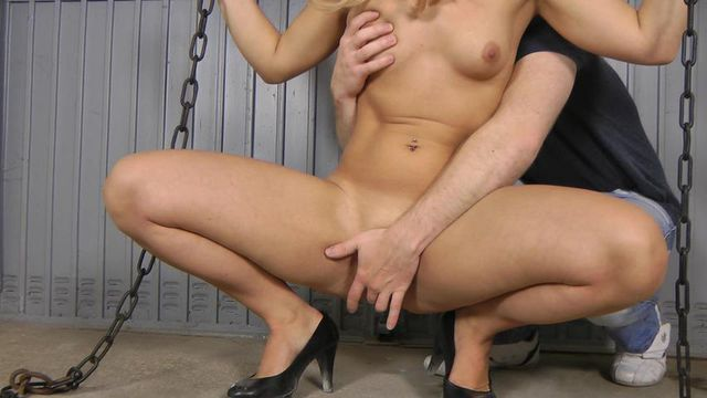Sophie - Pussy and pee