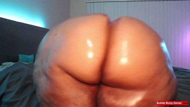 REAL BOOTY 2 - GOLDEN BOMBSHELL Clip 3