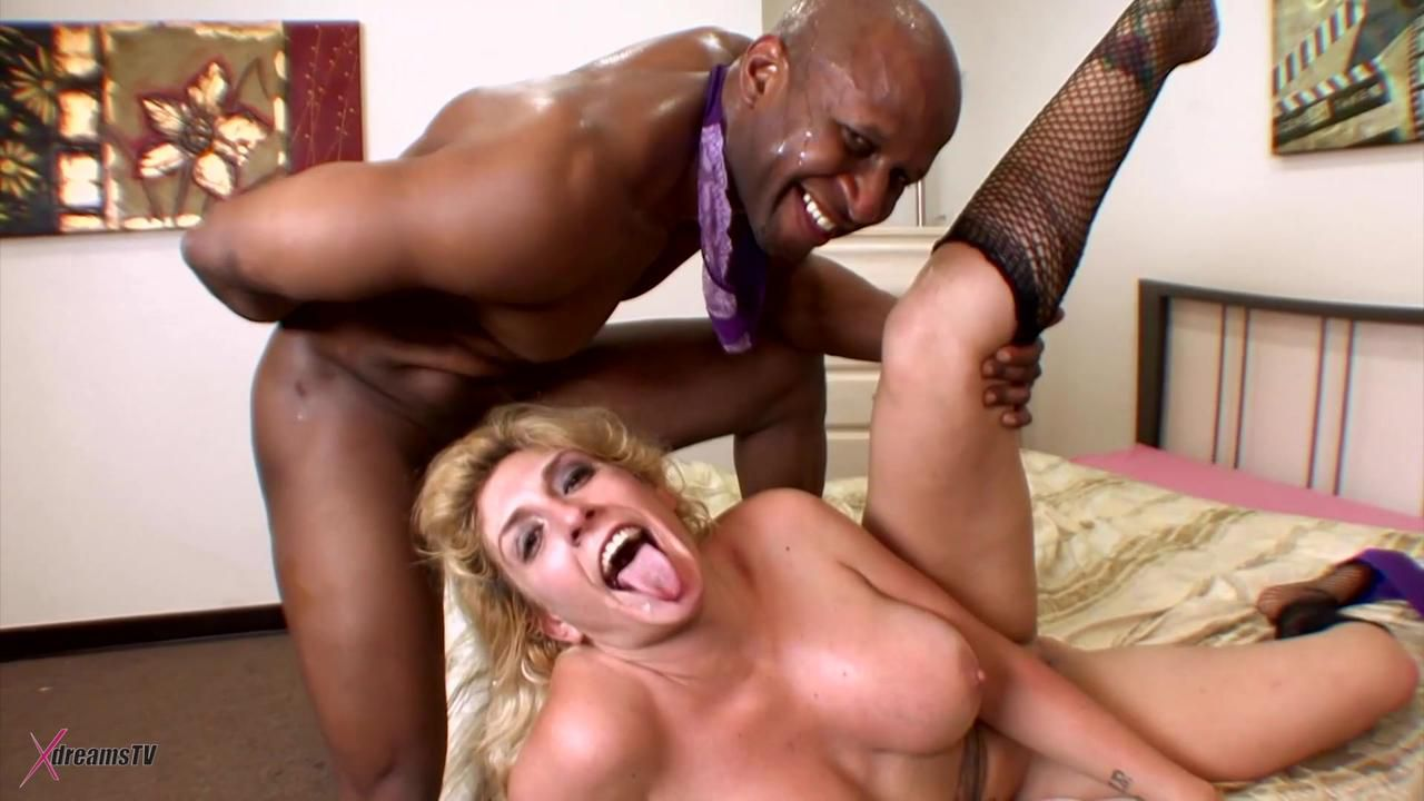 Black & White - Kelli Staxxx Is Yelling During The BBC Assfuck