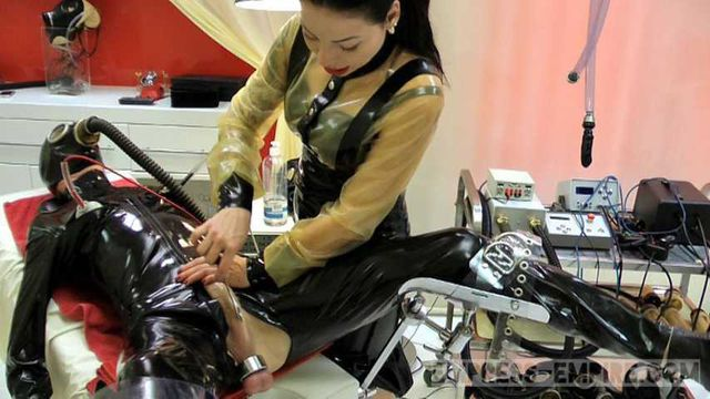 Lady Ashley - Rubber Clinic