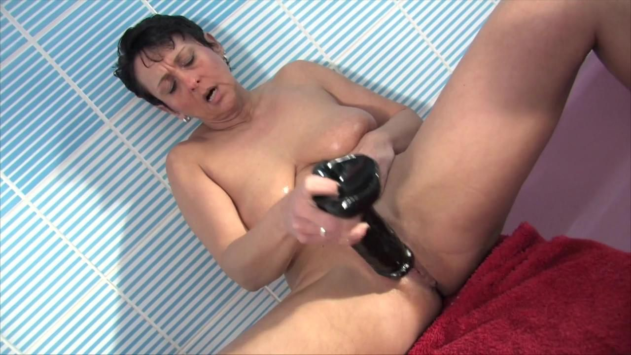 Masturbating Pleasure In The Shower