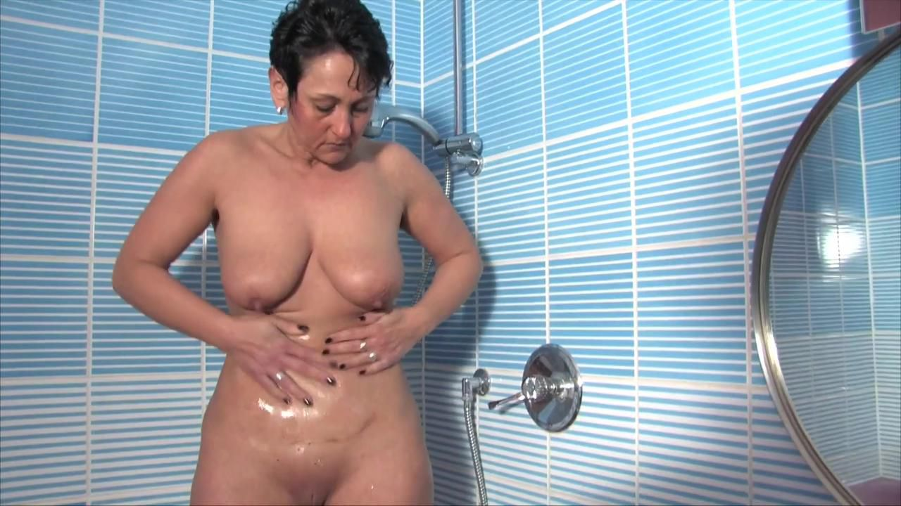 Masturbationsvergnügen in der Dusche
