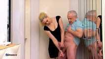 Pennys Handjob, um ihren Ehemann zu unterwerfen