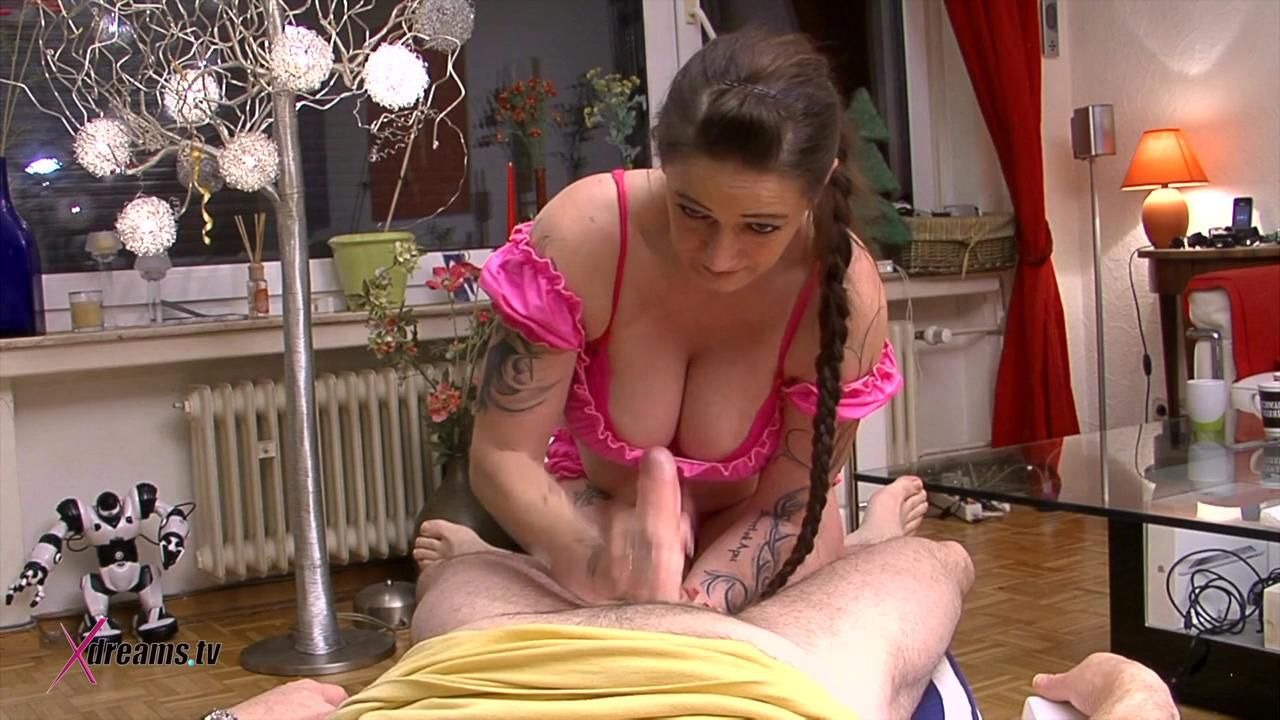 At To Diss The Old Fart Vera Only Give Him A Minimized Orgasm Handjob