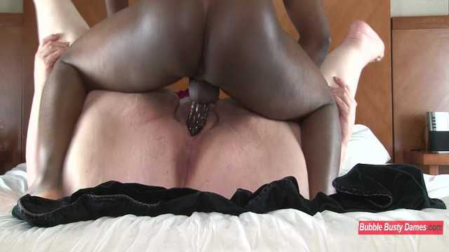 SQUIRTING FOR DUMMIES 2 - NIKKI CAKES Clip 2
