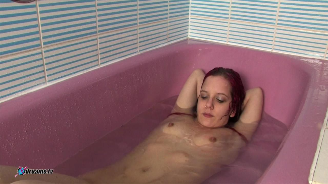 Jennifer's Submission By Cold Water Domination