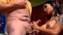 Kim XXX - Spritz auf meine riesige Titten