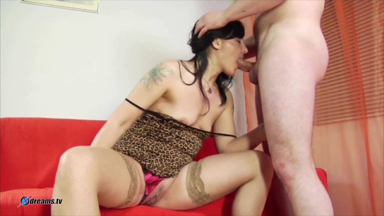 Amateur Slut Has Very Odd Sex With Her Hubby