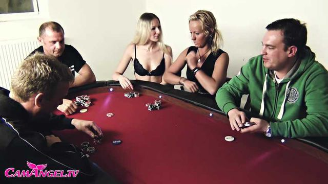 The fucking Poker round - 2 queens against 4 jacks