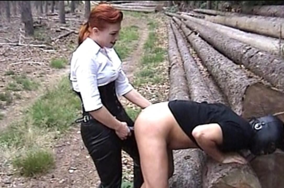 La Femme Fatale - Outdoor Domination