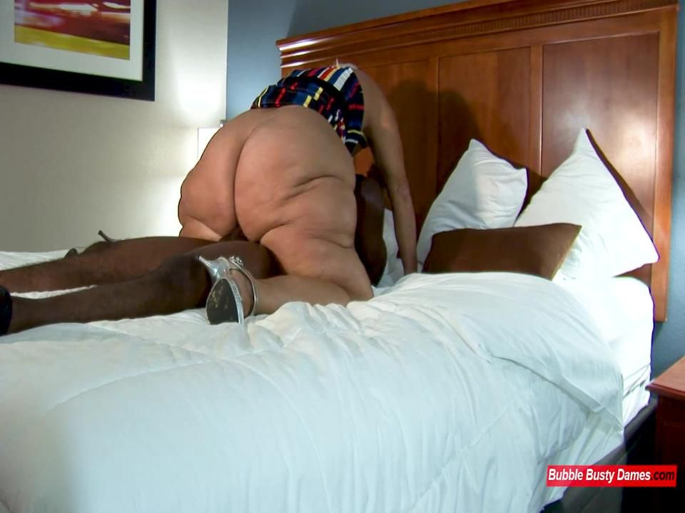 MORE SERVICE THAN NECESSARY 2  - AMBER CONNERS EXTENDED CLIP 3