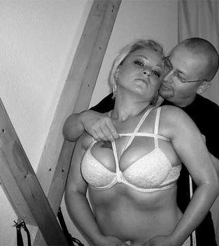 Gebundene Brüste