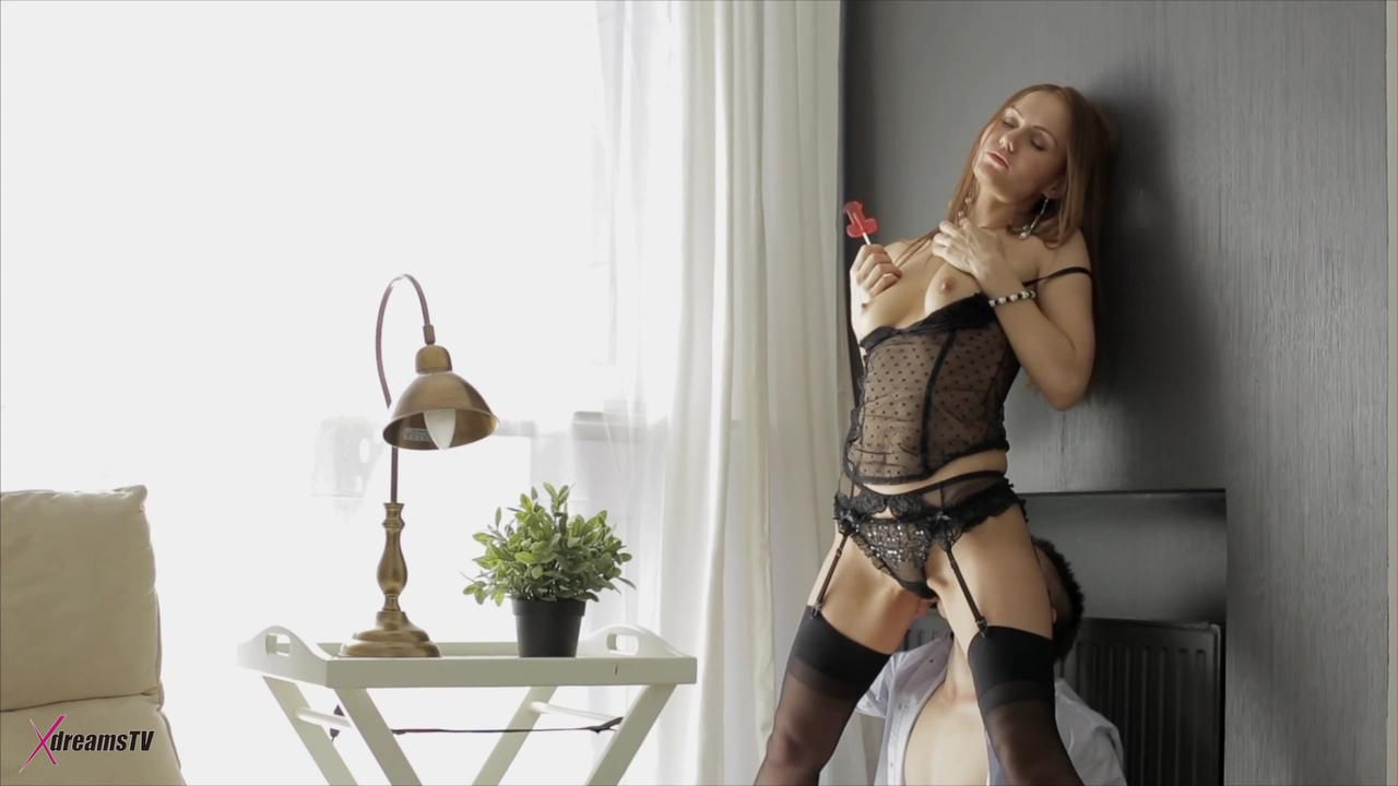 Nika Seduce Her Boyfriend And Want To Get Her Butthole Fucked