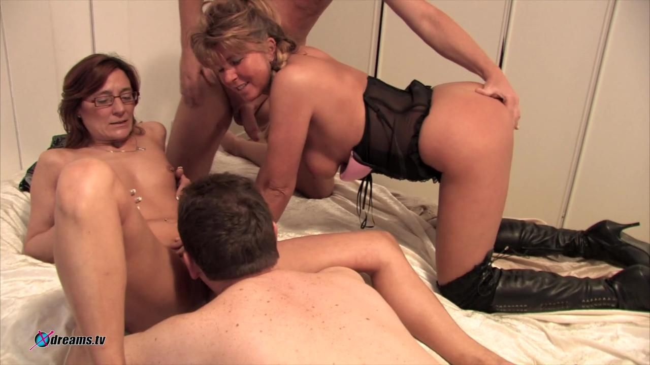 Amateur Switching Partners Couple Party